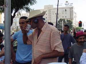 Le cinéaste dans le set du film 'Le Prince', avenue Bourghuiba, Tunis.