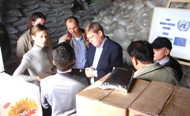 Steffen Stenberg visiting the aid distribution centre